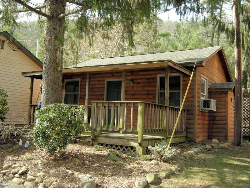 Superior Brookside Cabin 1